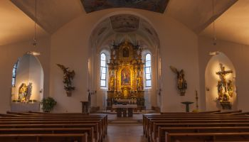 Mayrhofen Parish Church, nave