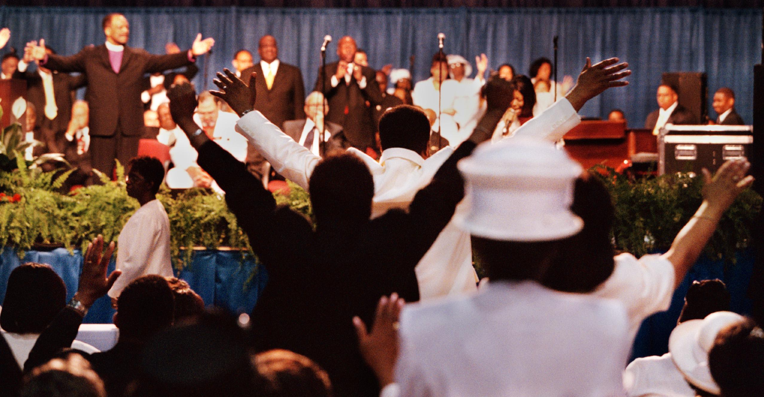 rp/pentecostal 07/31/2002 Jahi Chikwendiu/TWP People from ar